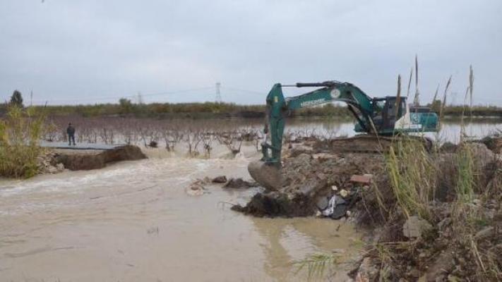 Sulama Kanallarında Yaşanan Taşkın ve Yarılmalara Müdahale Edildi