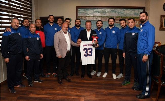 Büyükşehir Spor Kulübü Basketbol Takımı Yerel Lig'de Namağlup Şampiyon Oldu