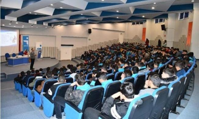 İŞKUR'dan Öğrencilere Meslek Seçimi Semineri