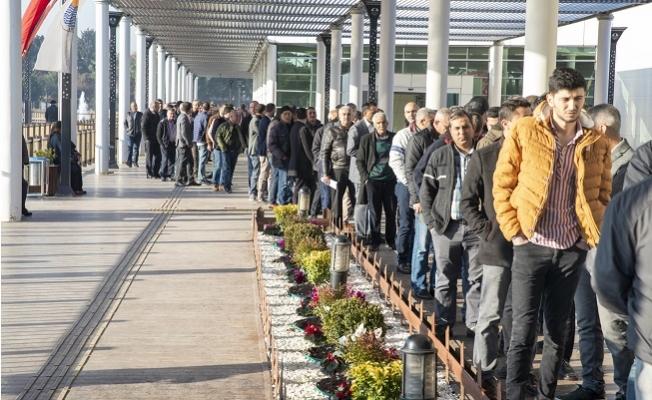 Mersin Büyükşehir'e Alınacak 184 Şoför İçin 744 Kişi Başvurdu