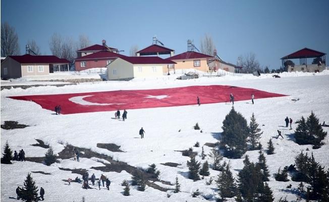 Mersin'de İlk kez Düzenlenen 'Kar Festivali'nde Renkli Görüntüler