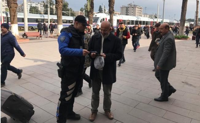 Mersin Polisi Tren Garında Yaptığı Uygulama İle Vatandaşları Uyardı