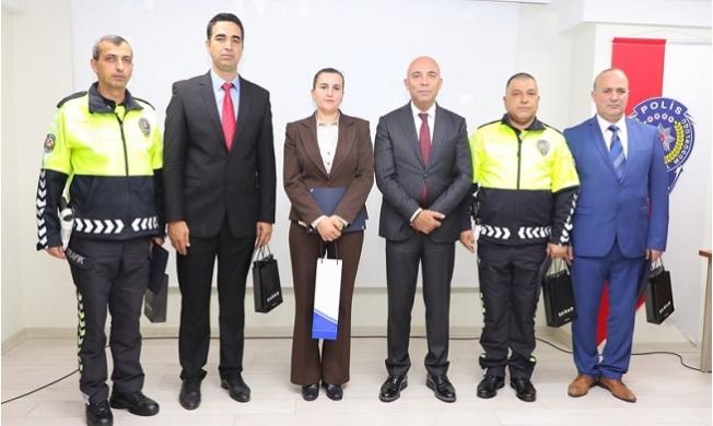 Mersin Şehir Hastanesinde Görevli Emniyet Personeline Ödül