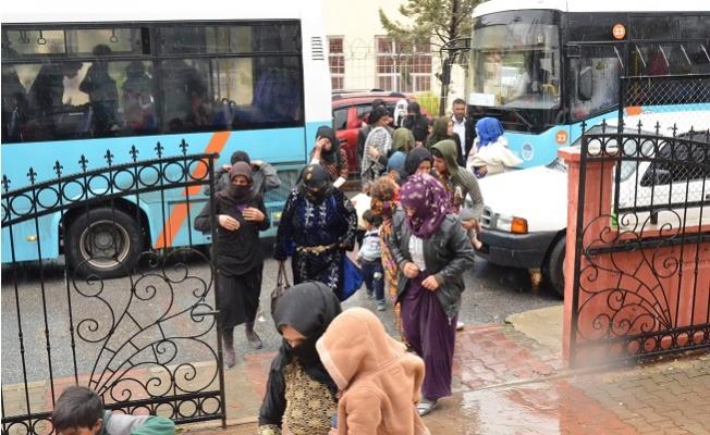 Tarsus'ta Aşırı Yağıştan Etkilenen Tarım İşçileri Tahliye Edildi