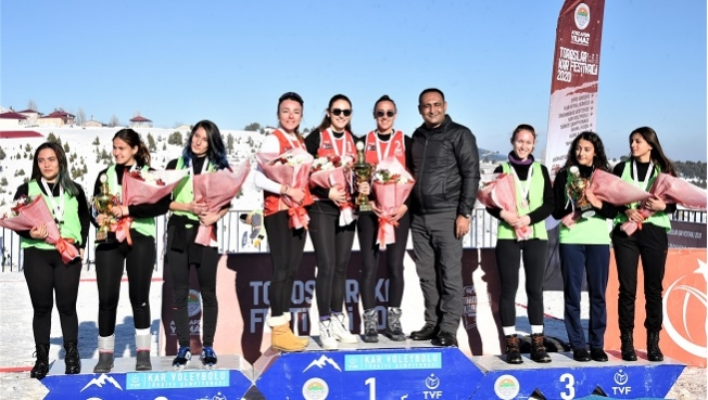 Toroslar Belediyesi, Kar Voleybolu Türkiye Şampiyonası'na Ev Sahipliği Yaptı