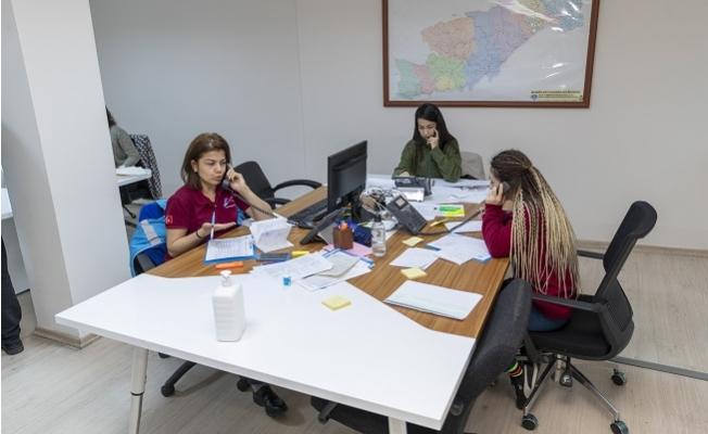 Kriz Merkezinde 65 Yaş Üstü Vatandaşlara Gıda ve İlaç Yardımı İçin Yeni Hat Açıldı