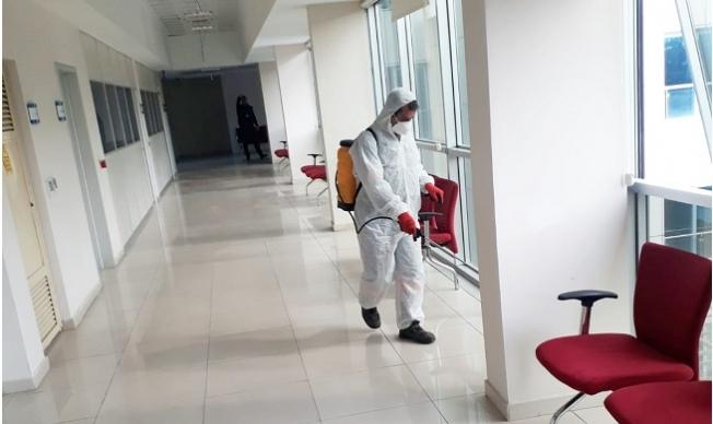 Mersin Büyükşehir Corona Virüsüne Karşı Tarsus'da Resmi Kurumları Dezenfekte Ediyor