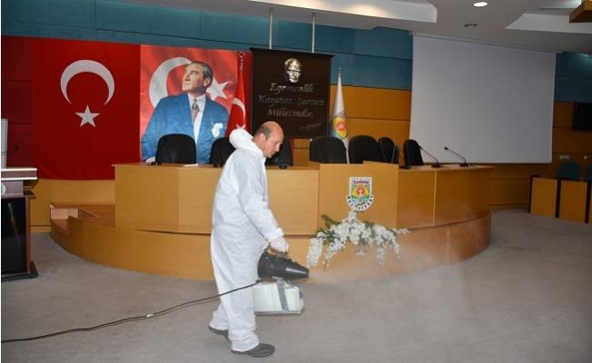 Tarsus Belediyesi Salgın Hastalıklara Karşı İlaçlama Yapıyor