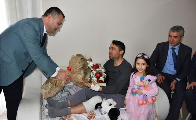 Tarsus Protokolünden İdlip'de Yaralanan Yüzbaşıya Ziyaret
