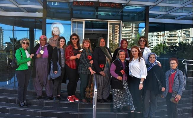 Yenişehir'in Gönüllüleri, Kadınların Yanında