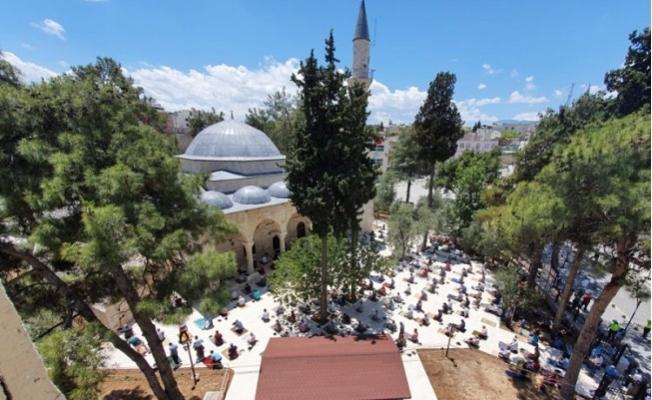 Mut'ta 570 Yıllık Tarihi Camiide İlk Namaz Kılındı