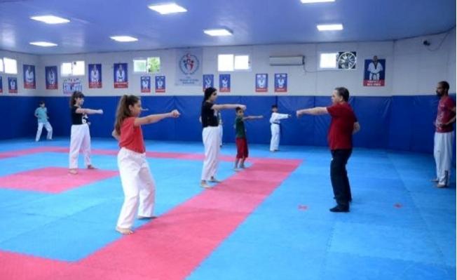 Sporcular, Salonlarda Çalışmalara Kontrollü Başladı