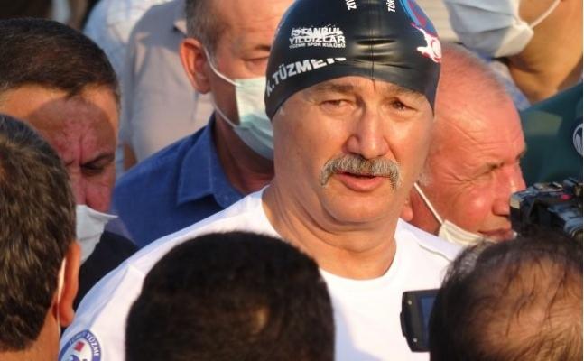 Eski Bakan Tüzmen ile 5 Sporcu, Mersin'den KKTC'ye Yüzüyor