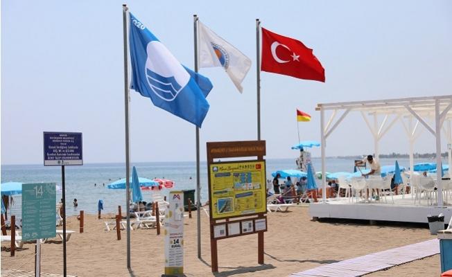 Mersin Büyükşehir Plajlarında Mavi Bayrak Dalgalanıyor