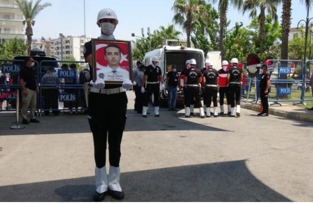 Şehit Polis Memuru Burak Derya, Gözyaşları Arasında Toprağa Verildi