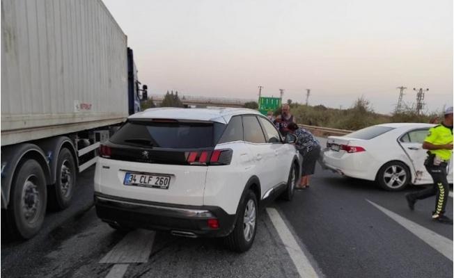 Tarsus-Adana Otoyolu'nda Zincirleme Kaza: 5 Yaralı