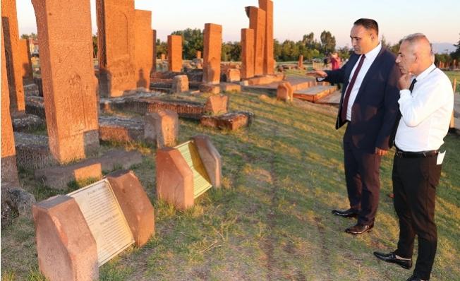 Başkan Yılmaz, Malazgirt Zaferinin 949.Yıl Dönümü Kutlamalarına Katıldı.