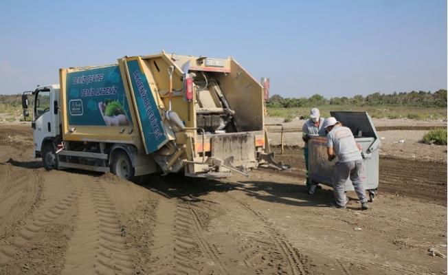 Adanalıoğlu Sahilinde Tonlarca Çöp Toplandı
