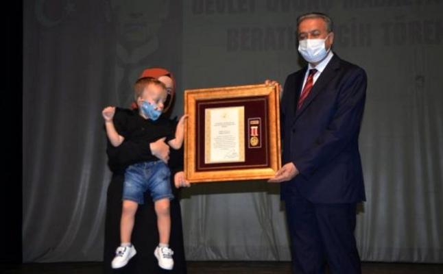 Devlet Övünç Madalyası ve Beratı Töreninde, Küçük İsmail Duygulandırdı