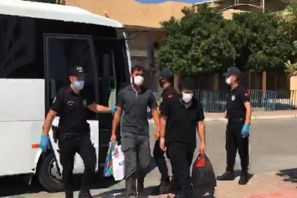 Mersin'de 8 DEAŞ Şüphelisi Adliyede