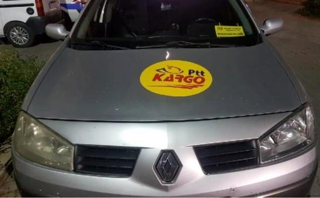 PTT Logolu Otomobil ile Kaçak Alkol Taşırken Yakalandılar