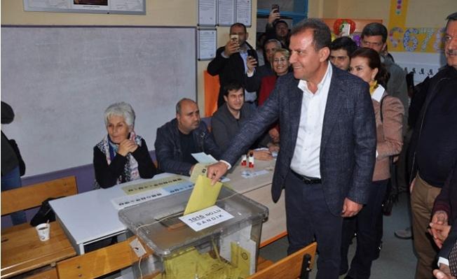 Vahap Seçer, Yeniden Büyükşehir Belediye Başkan Adayı Olsa Oy Verirmisiniz ?