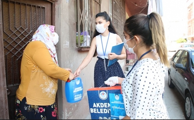Akdeniz'de İhtiyaç Sahibi Ailelere Hijyen Paketi