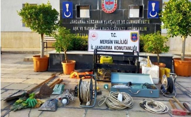 Mersin'de Kaçak Kazı Yapan 3 Kişi Çadırda Yakalandı