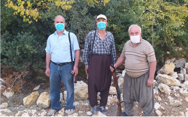 Mersin'de Köylüler Ruhsatlı Tüfekleriyle Orman Nöbetinde