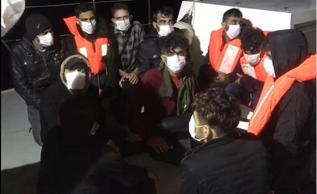 Batan Teknedeki 19 Göçmen Son Anda Kurtarıldı