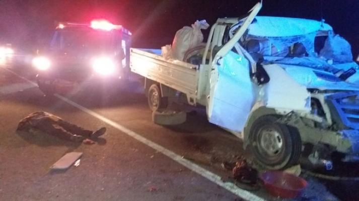 """Mut-Karaman Yolu """"Burunköy Mevkiinde"""" Feci Kazada 2 Kişi Hayatını Kaybetti."""