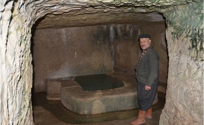 30 Yıldır Eve Dönüştürdüğü Mağarada Yaşıyor