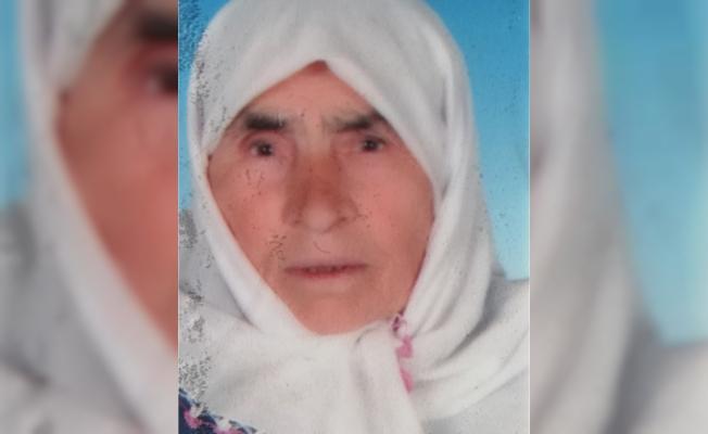 83 Yaşındaki Kadın Bahçedeki Otları Yakarken Kendini Yaktı