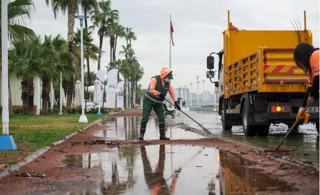 Büyükşehir, Yoğun Yağışların İzlerini Siliyor