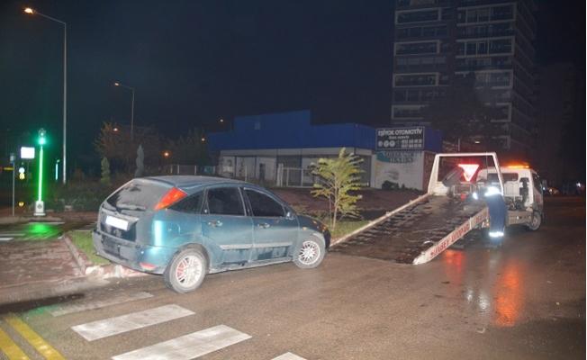 Ceza Yememek İçin Polisten Kaçtı, Otomobiliyle Kaza Yapıp Yakalandı