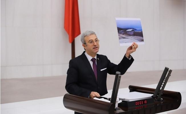 CHP'li Antmen, Mecliste Doğaya İhanetin Fotoğrafları Paylaştı