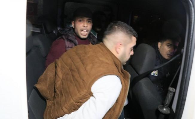 Dur İhtarına Uymayarak Polislerin Üzerine Aracını Sürüp Kaçan Sürücü Kıskıvrak Yakalandı