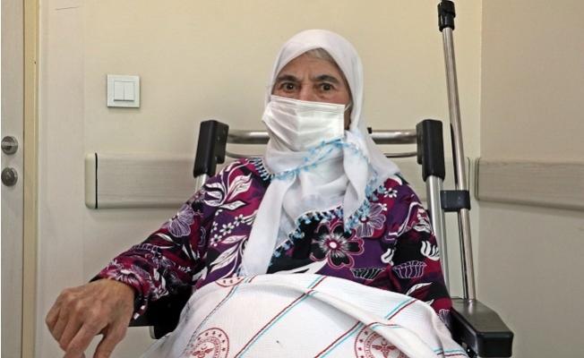 Kalbi Durdu İlaçla Çalıştırıldı, Adeta Öldü Öldü Dirildi, 74 Yaşında Koronavirüs Yendi