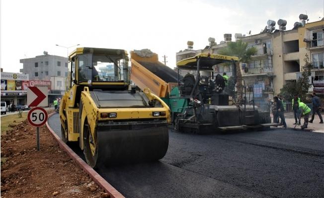 Mersin Büyükşehir Belediyesi Asfalt Çalışmalarını Sürdürüyor