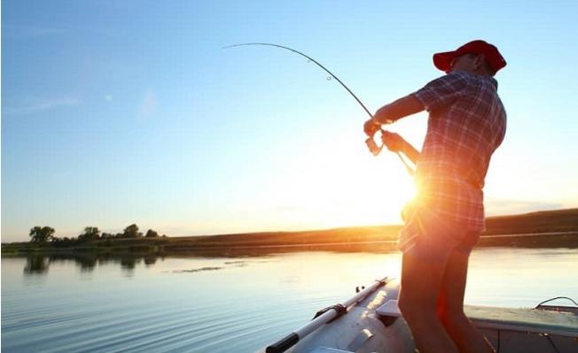 Mersin'de Olta Balıkçılığı Yapanlara Mesafe Zorunluluğu Getirildi