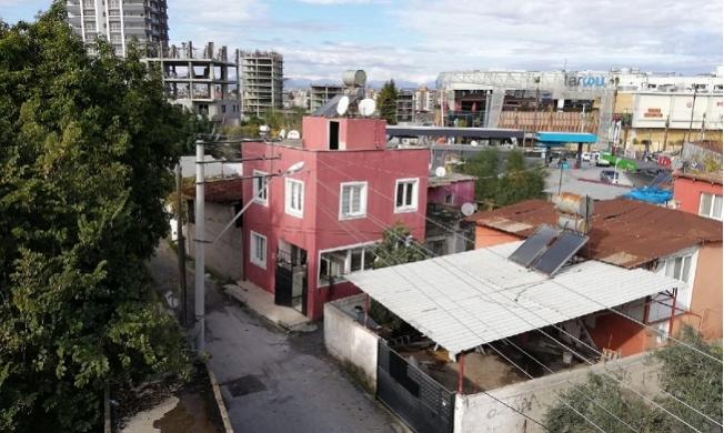 """Tarsus'ta MİT'in Özel Ekiple Kazı Yaptığı """"Gizemli Ev"""" Panik Yarattı"""
