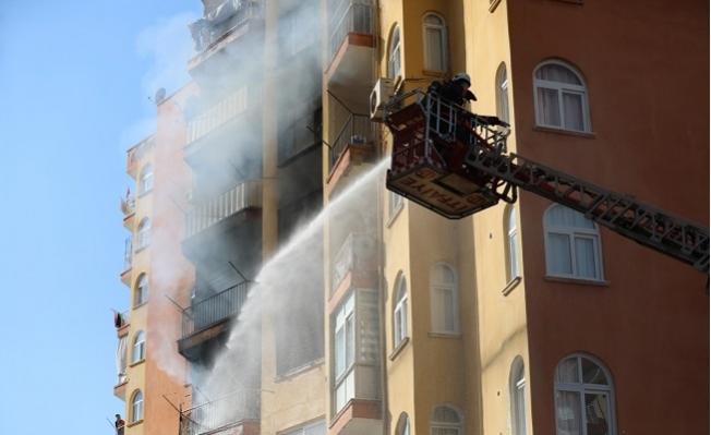 Yenişehir'de Sitede Çıkan Yangın Korkuttu