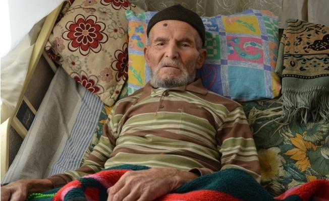 88 Yaşında Covid-19'un Sırtını Yere Getirdi.