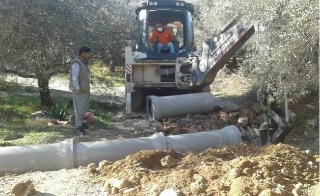 Büyükşehir'den Çamlıyayla ve Tarsus'ta Büz Boru Döşeme Çalışmaları