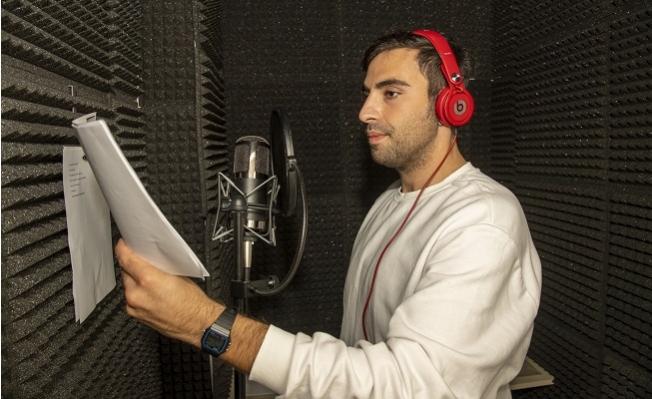 Mersin'de Oyuncular 'Radyo Tiyatrosu' ile Sanatseverlerle Buluşacak