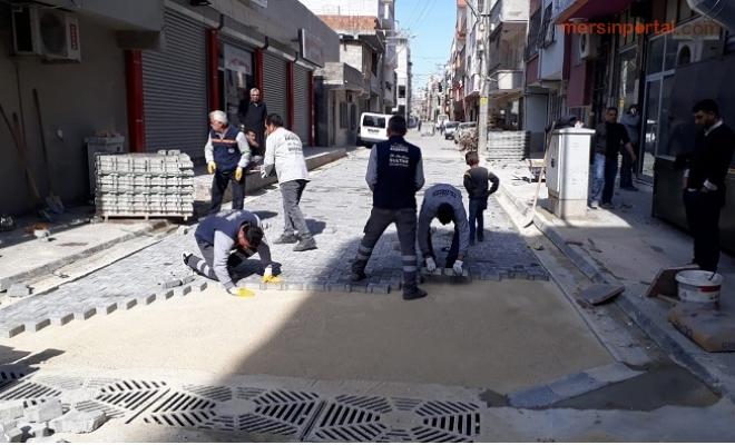 Akdeniz Belediyesi Yenileme Çalışmalarını Aralıksız Sürdürüyor