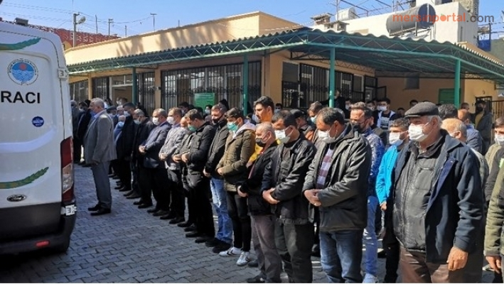 Tarsus'ta Yanarak Ölen Minik Kardeşler Son Yolculuğuna Uğurlandı.