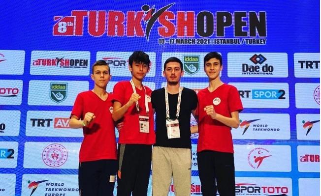 Mersin Büyükşehir GSK Sporcularından Taekwondo'da Derece