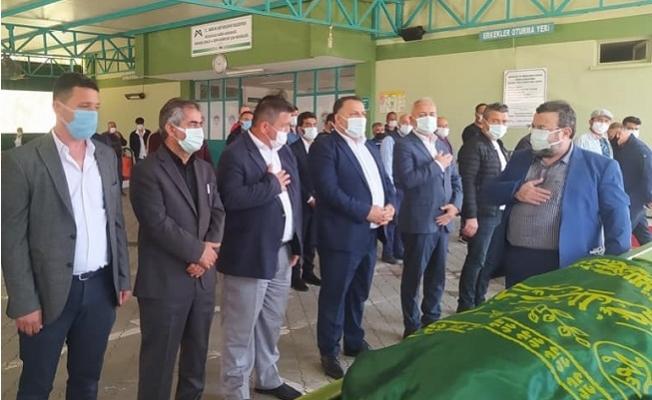 Ak Parti Tarsus Örgütü Nevzat Altıparmak'ın Cenazesinde Bir Araya Geldi