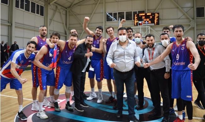 Büyükşehir Basket Takımı Etimesgut'u 60-72'lik Skorla Yendi